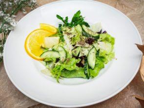 Салат из свёклы с домашним сыром 2
